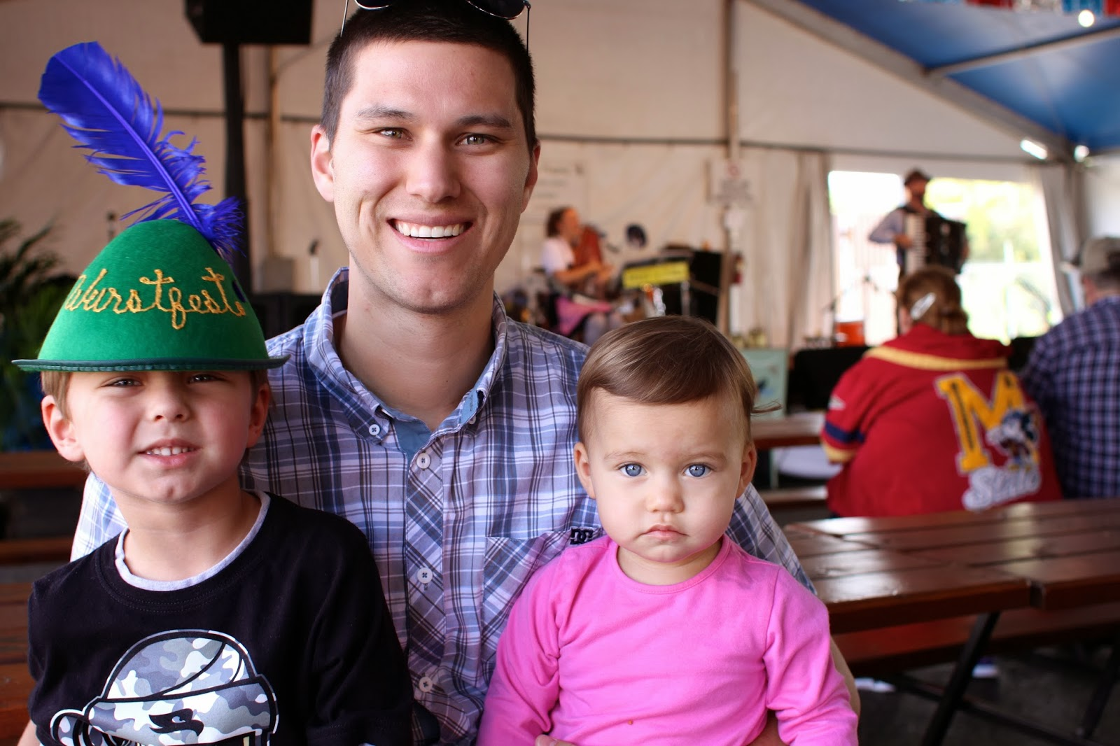 Kids with father at Wurstfest